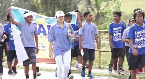 Dededo students march for world peace