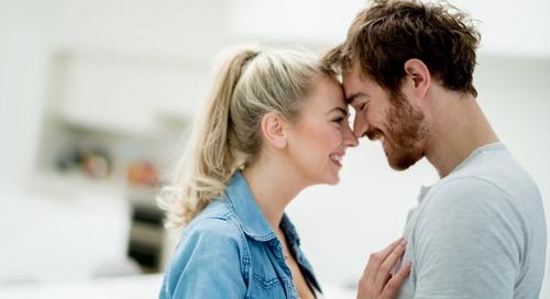 Mengapa Mayoritas Perempuan Menyukai Laki-laki yang Lebih Tua?