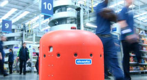 Autonomer Roboter hält große Flächen sauber