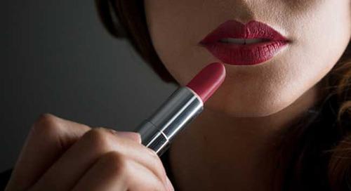Ini Dia Cara Memilih Lipstik yang Cocok dengan Wajah