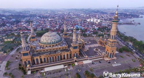 Empat Masjid Terindah di Indonesia.