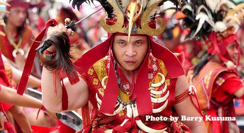Festival Bitung Sulawesi yang megah & kaya budaya.