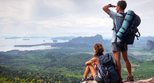 10 Alasan Mengencani Pria Yang Suka Traveling