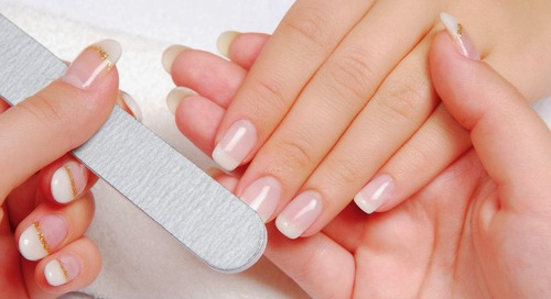 Manicure di 5 Nails Salon di Seminyak