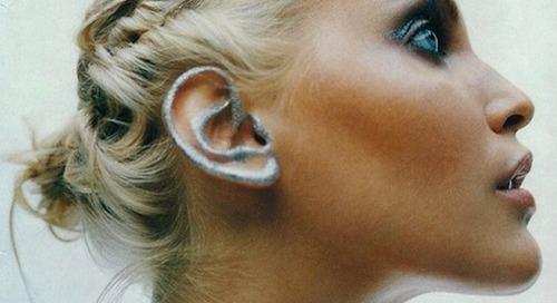 Belum Kekinian Kalau Belum Coba Ear Makeup