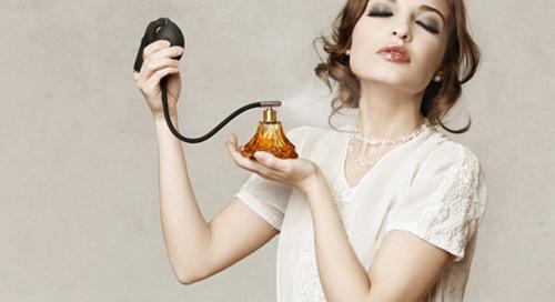 6 Tempat Tak Biasa Untuk Mengaplikasikan Parfum