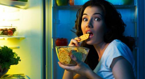 Seberapa Parah Makan Tengah Malam Mempengaruhi Tubuh Anda?