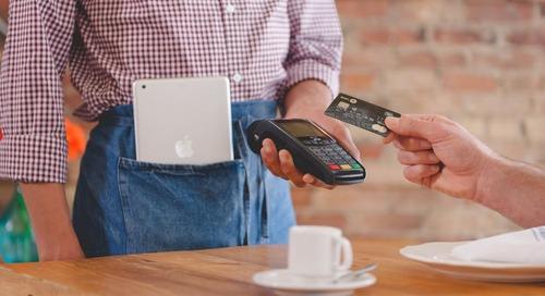 Comment laisser un pourboire avec la technologie de paiement sans contact