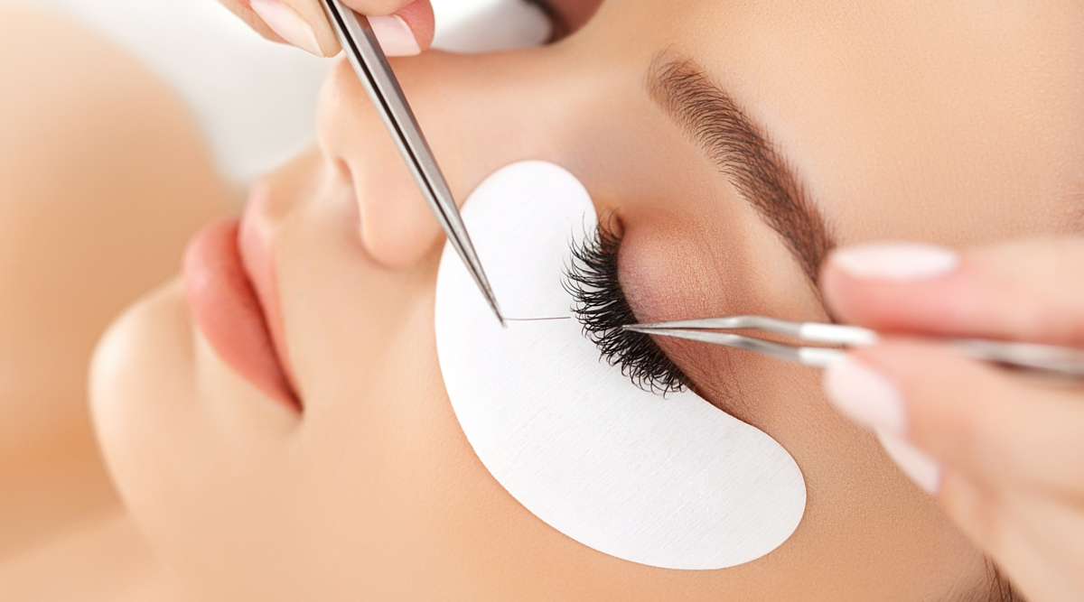 how do i get new clients for my lash salon?