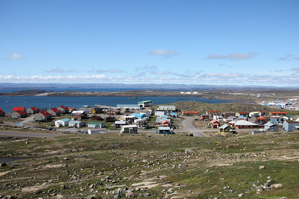 Located in Frobisher Bay's Kuujussi Inlet, Iqaluit lies northeast of Hudson Bay, in the Everett Mountains. Photo: Sebastian