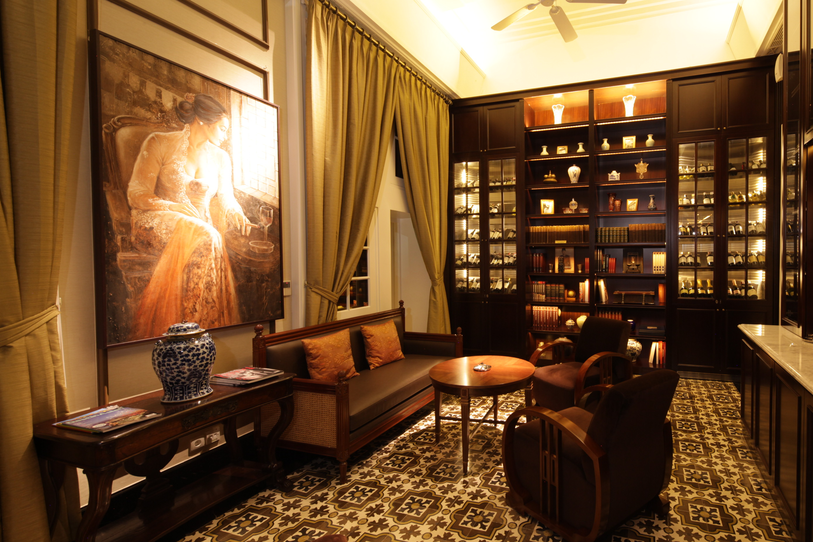 The Hotel Is Located In A Most Prestigious District Menteng Commensurate With Its History Remarks Somewhere Between Erstwhile And Modernity Era