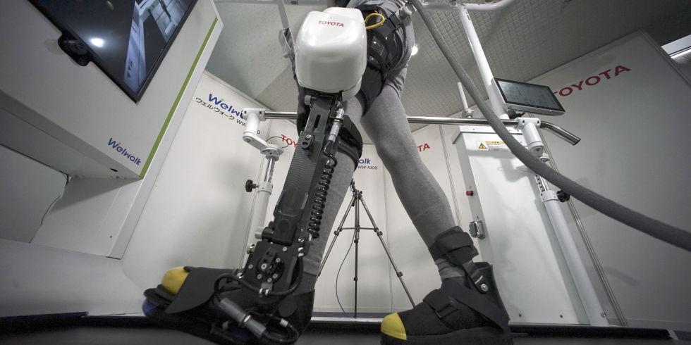 Toyota's robotic leg brace