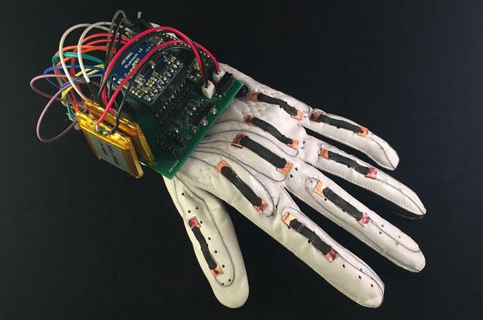 Glove that translates sign language