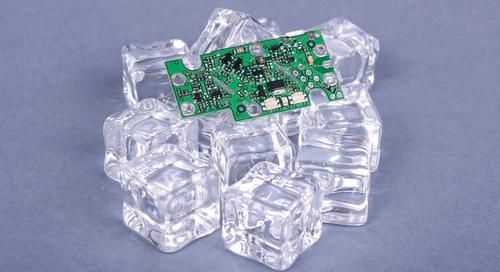 Gestion thermique d'un circuit imprimé réalisée avec des glaçons