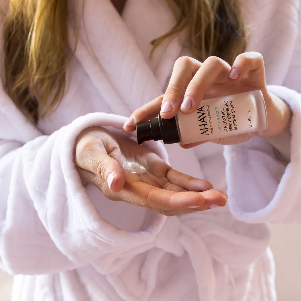 Moisturize Skin Healthy Ahava Serum
