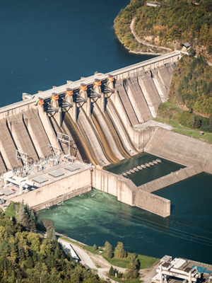 Hydropower plant supports reducing commercial electric bills